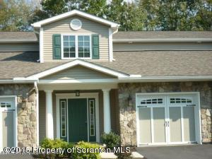 42 Wyndham Rd, South Abington Twp, PA 18411