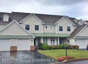 303 Thackeray Close, Moosic, PA 18507