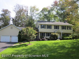 102 Apple Valley Circle, Clarks Summit, PA 18411