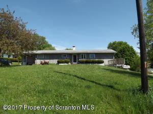 10 Maple Ln, Tunkhannock, PA 18657