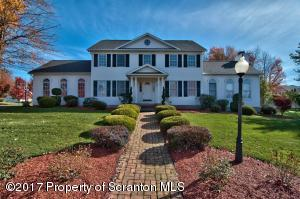 504 Park Ln, Moscow, PA 18444