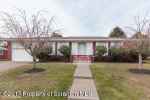 402 Maplewood Ave, Dickson City, PA 18519