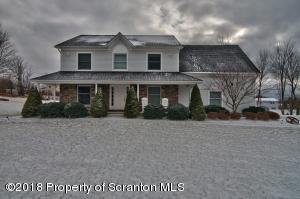 12 Cartel Ln, Moscow, PA 18444
