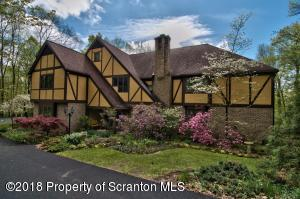 1007 Chapin Dr, Clarks Summit, PA 18411