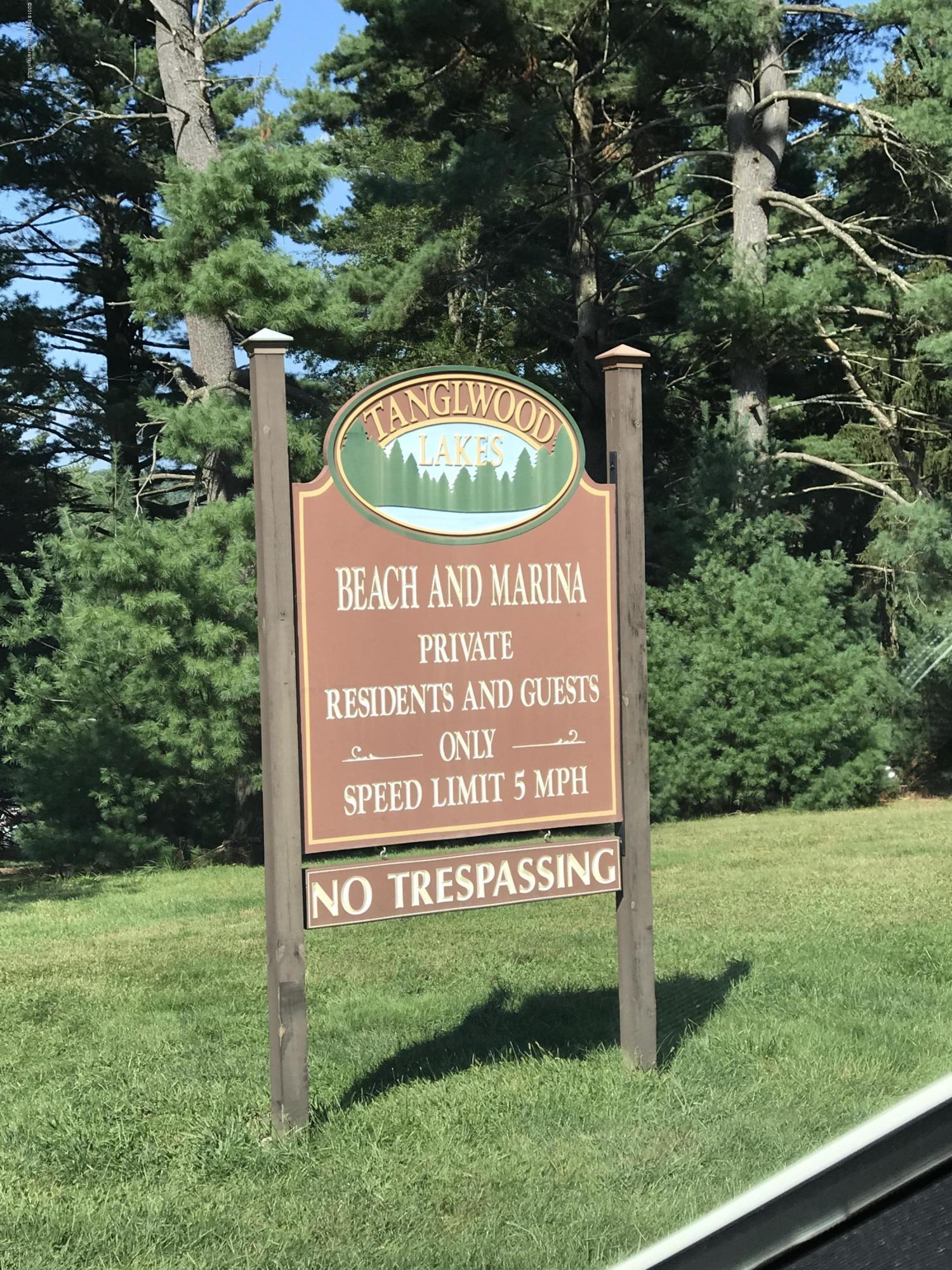 806 Song Mountain Terrace, Tafton, Pennsylvania 18464, 3 Bedrooms Bedrooms, 7 Rooms Rooms,2 BathroomsBathrooms,Single Family,For Sale,Song Mountain Terrace,18-4157