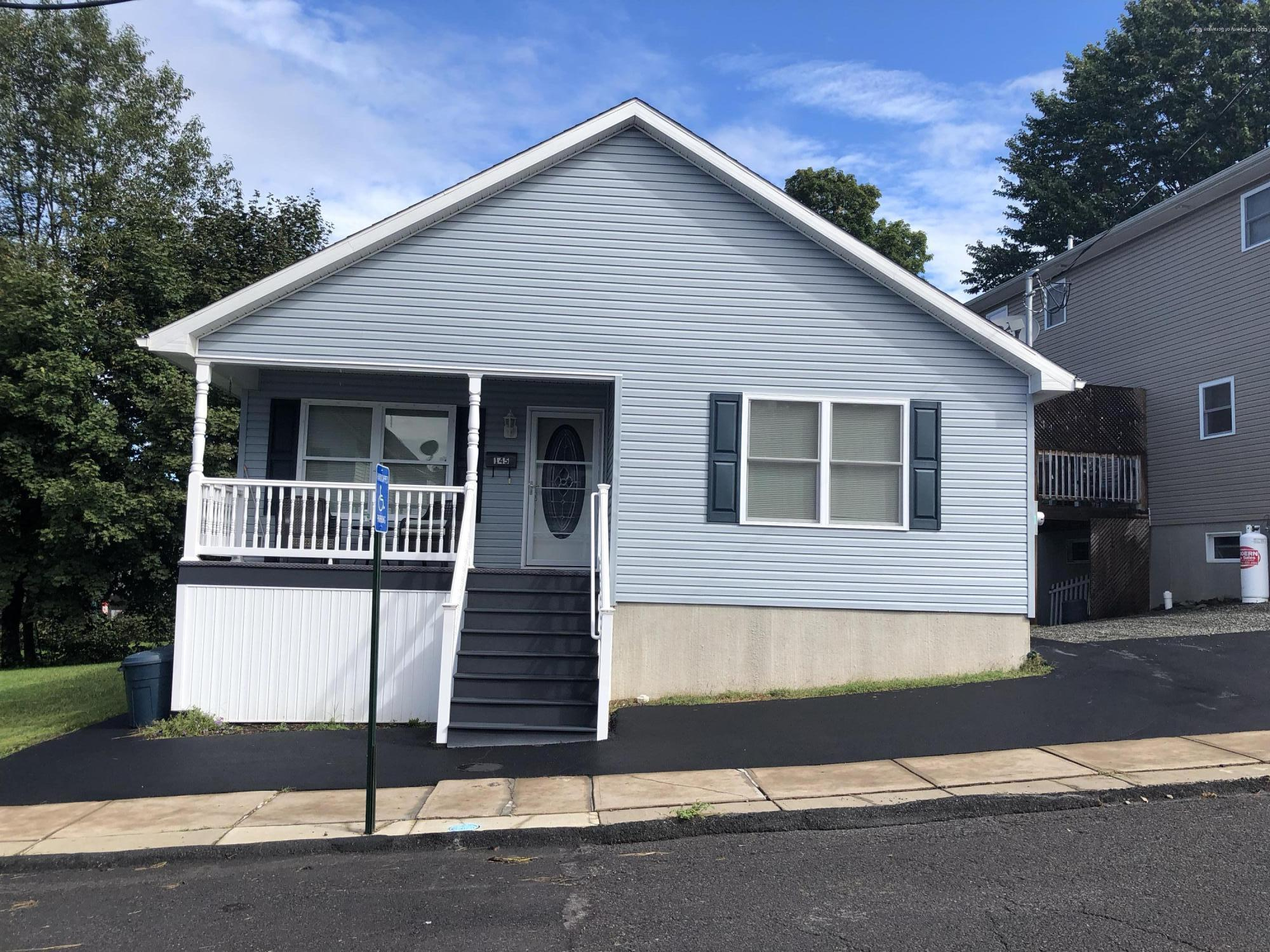 145 8th Ave, Carbondale, Pennsylvania 18407, 2 Bedrooms Bedrooms, 4 Rooms Rooms,2 BathroomsBathrooms,Single Family,For Sale,8th,18-4491