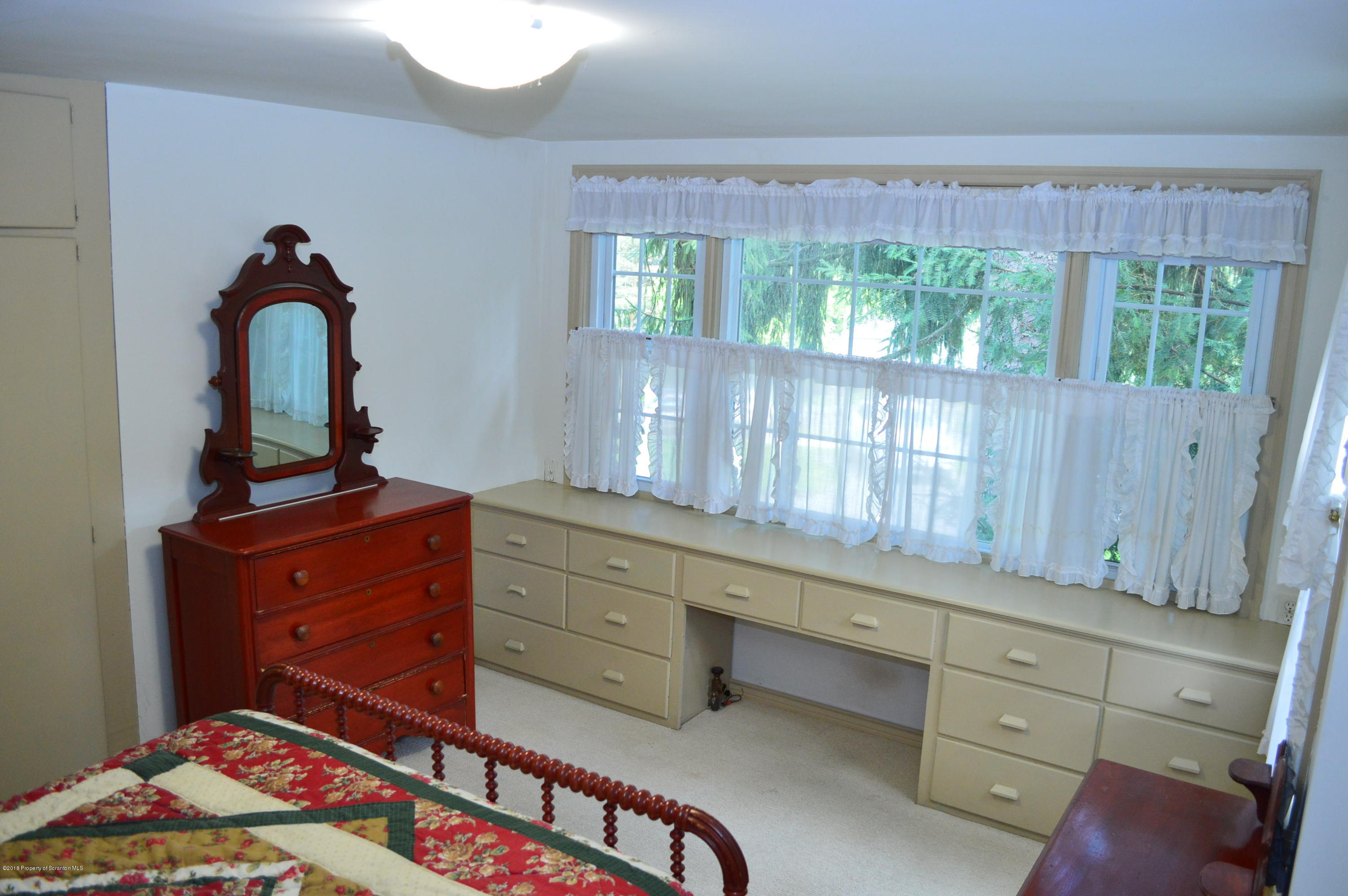 908 Grove St, Clarks Summit, Pennsylvania 18411, 3 Bedrooms Bedrooms, 6 Rooms Rooms,2 BathroomsBathrooms,Single Family,For Sale,Grove,18-4717