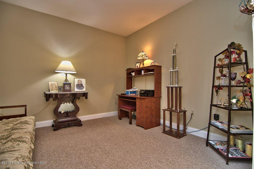 114 Stonefield Dr, Jefferson Twp, Pennsylvania 18436, 4 Bedrooms Bedrooms, 8 Rooms Rooms,3 BathroomsBathrooms,Single Family,For Sale,Stonefield,18-566