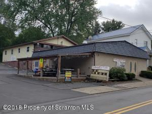 30 Pike St, Carbondale, PA 18407
