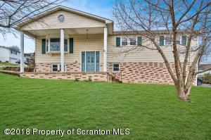 1213 Mowry St, Old Forge, PA 18518