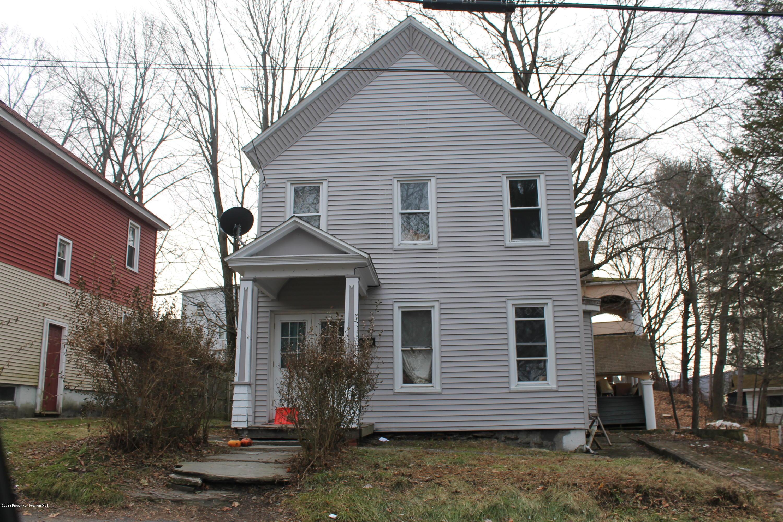15 Mannion Avenue, Carbondale, Pennsylvania 18407, 3 Bedrooms Bedrooms, 8 Rooms Rooms,1 BathroomBathrooms,Single Family,For Sale,Mannion Avenue,18-5590