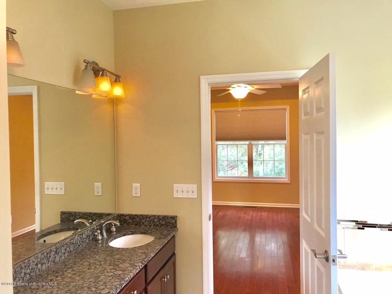 6 Dickinson Close, Moosic, Pennsylvania 18507, 2 Bedrooms Bedrooms, 8 Rooms Rooms,3 BathroomsBathrooms,Single Family,For Sale,Dickinson Close,19-2