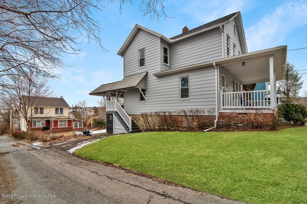 815 Cherry St, Scranton, Pennsylvania 18505, 2 Bedrooms Bedrooms, 5 Rooms Rooms,1 BathroomBathrooms,Single Family,For Sale,Cherry,19-1009