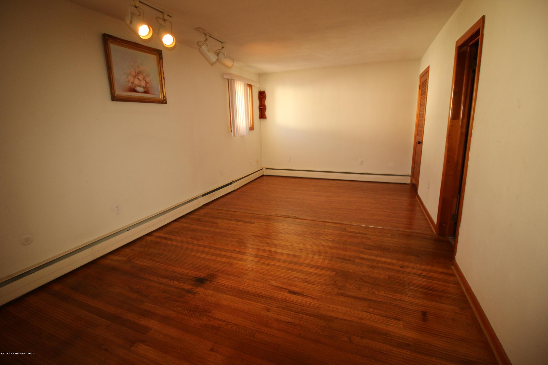 118 Peller Ave, Scranton, Pennsylvania 18505, 3 Bedrooms Bedrooms, 7 Rooms Rooms,3 BathroomsBathrooms,Single Family,For Sale,Peller,19-1028
