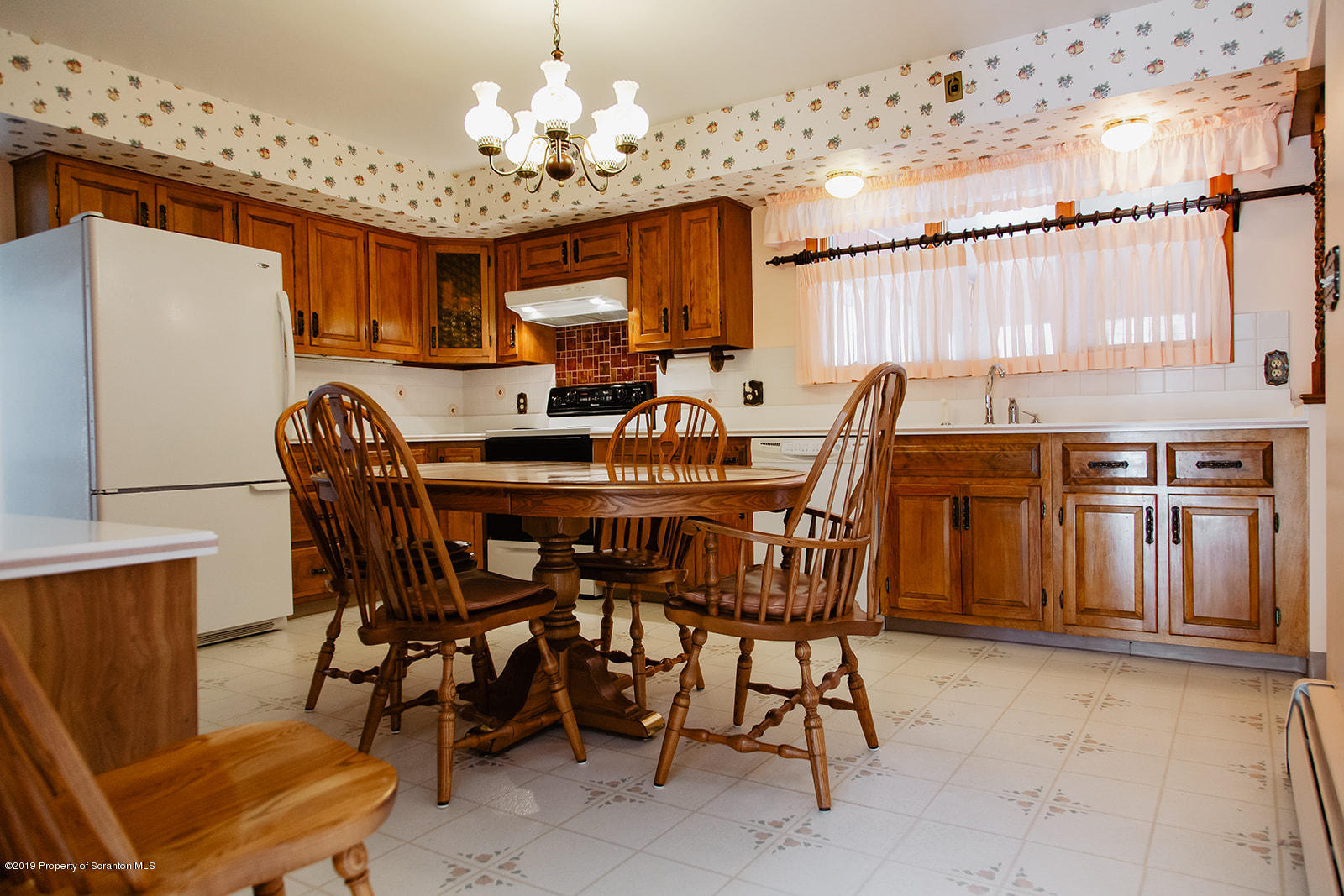 1274 Fords Pond Rd, Clarks Summit, Pennsylvania 18411, 3 Bedrooms Bedrooms, 6 Rooms Rooms,3 BathroomsBathrooms,Single Family,For Sale,Fords Pond,19-1061