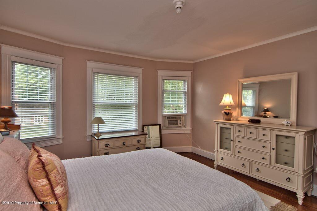 730 Taylor Ave, Scranton, Pennsylvania 18510, 5 Bedrooms Bedrooms, 10 Rooms Rooms,3 BathroomsBathrooms,Single Family,For Sale,Taylor,19-1339