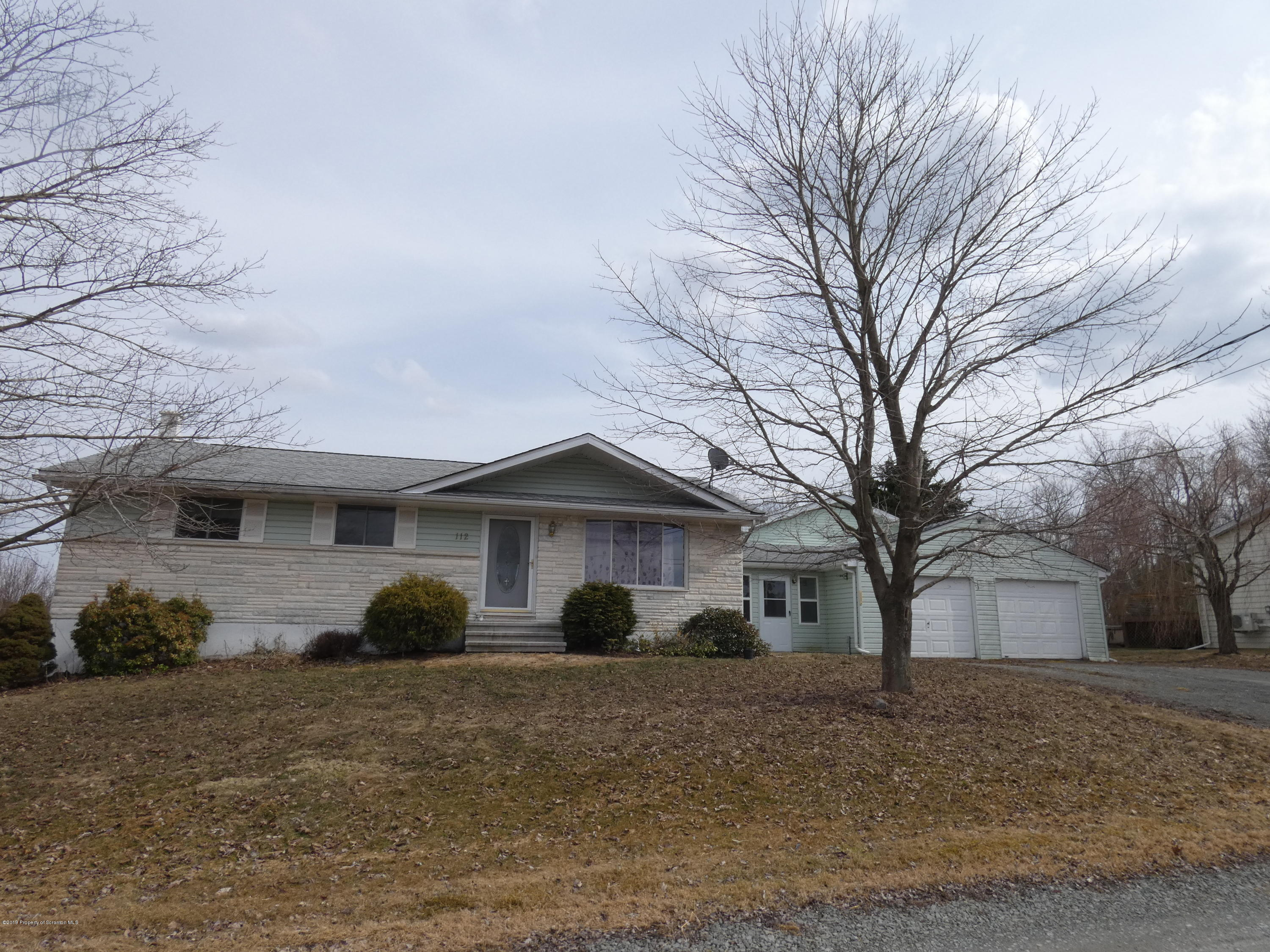 112 Crestmont Ave, Greenfield Twp, Pennsylvania 18407, 4 Bedrooms Bedrooms, 12 Rooms Rooms,3 BathroomsBathrooms,Single Family,For Sale,Crestmont,19-1435