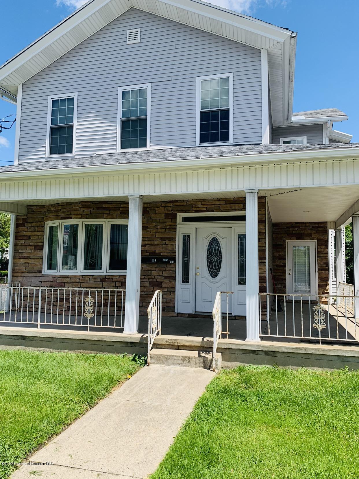 2027 Green Ridge St, Dunmore, Pennsylvania 18512, 2 Bedrooms Bedrooms, 3 Rooms Rooms,1 BathroomBathrooms,Rental,For Lease,Green Ridge,19-2445