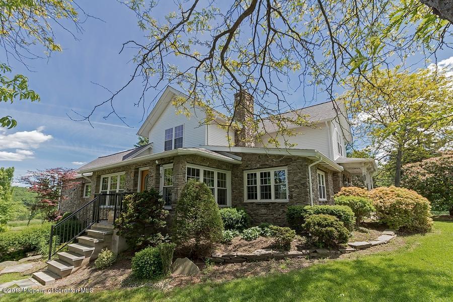 2500 Falls Rd, Falls, Pennsylvania 18615, 2 Bedrooms Bedrooms, 8 Rooms Rooms,3 BathroomsBathrooms,Single Family,For Sale,Falls,19-2645