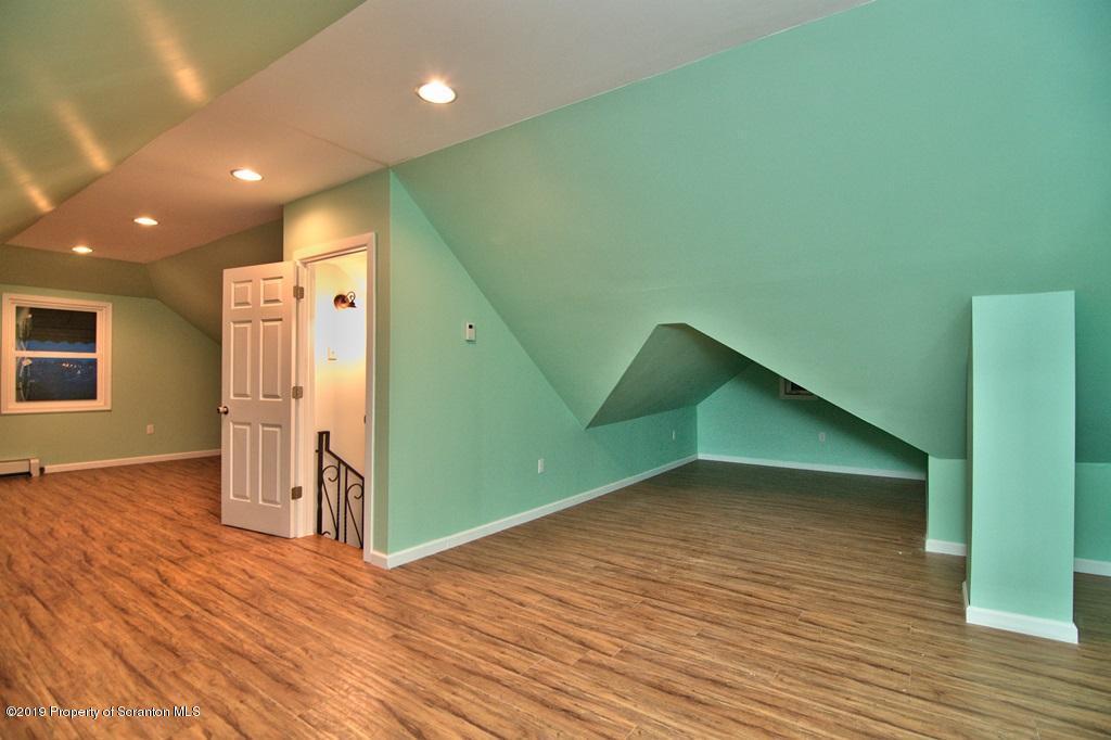618 Breck St, Scranton, Pennsylvania 18505, 3 Bedrooms Bedrooms, 5 Rooms Rooms,1 BathroomBathrooms,Single Family,For Sale,Breck,19-2933