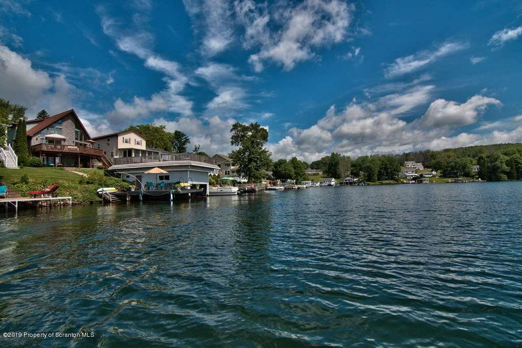 428 Point Rd, Lake Winola, Pennsylvania 18625, 6 Bedrooms Bedrooms, 10 Rooms Rooms,4 BathroomsBathrooms,Single Family,For Sale,Point,19-3025