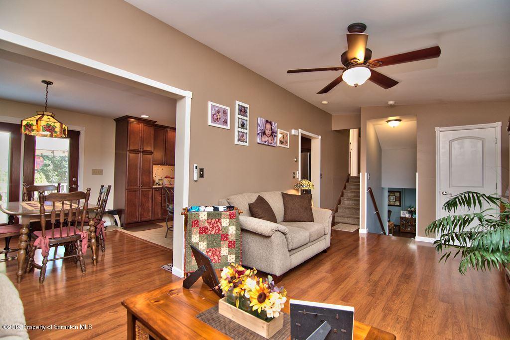 223 Ontario Ave, Archbald, Pennsylvania 18403, 5 Bedrooms Bedrooms, 10 Rooms Rooms,3 BathroomsBathrooms,Single Family,For Sale,Ontario,19-3099