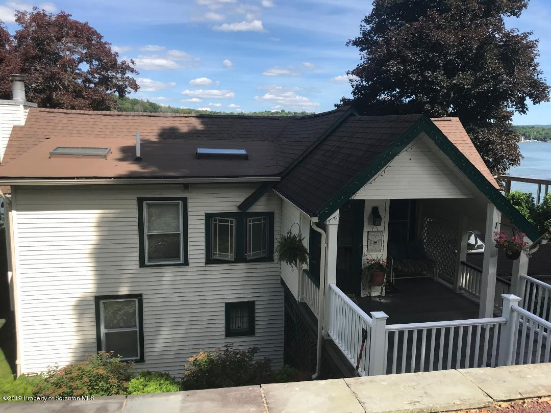 10 Lake St, Tunkhannock, Pennsylvania 18657, 4 Bedrooms Bedrooms, 9 Rooms Rooms,3 BathroomsBathrooms,Single Family,For Sale,Lake,19-3149