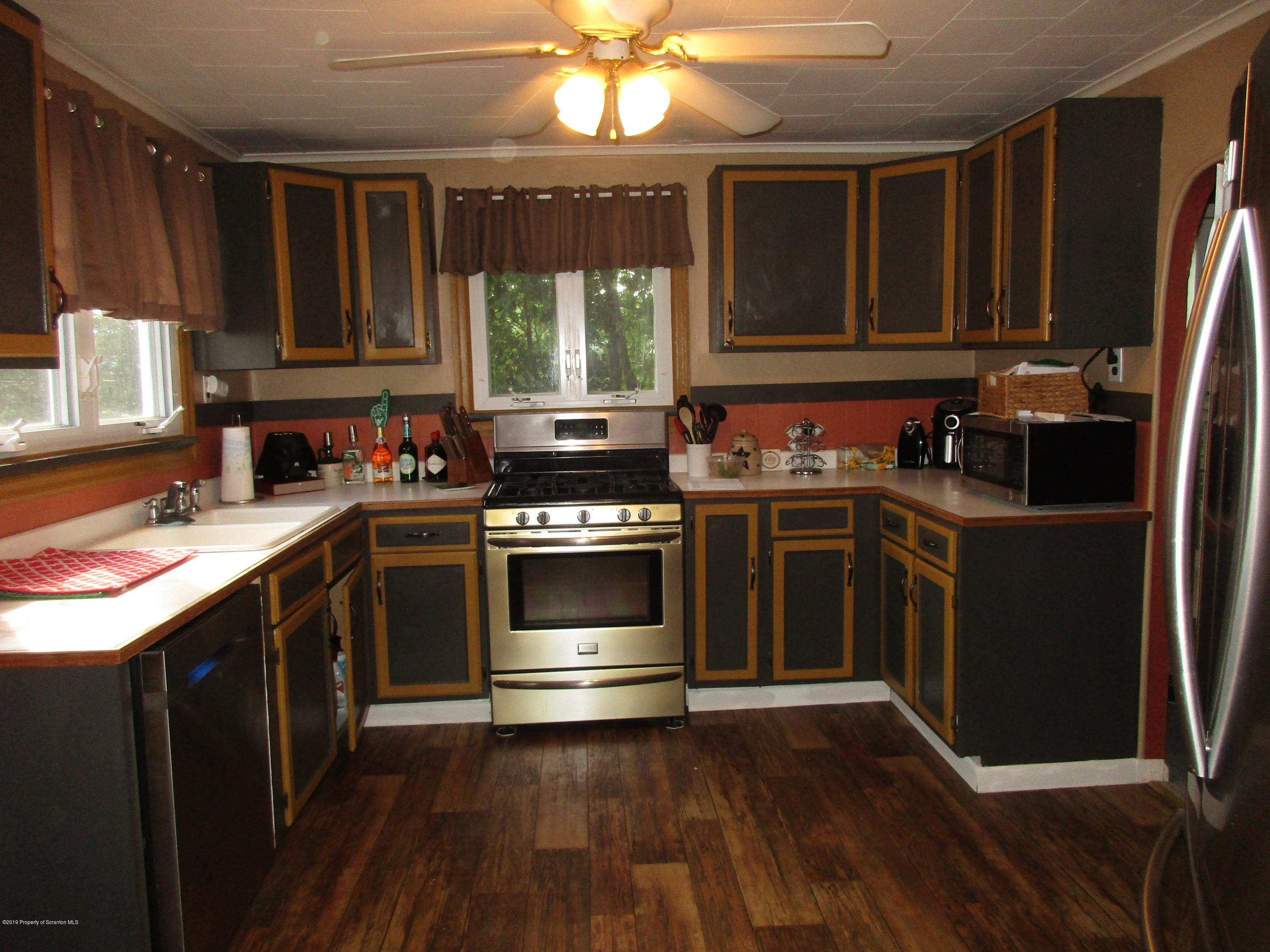 168 Ash St, Archbald, Pennsylvania 18403, 2 Bedrooms Bedrooms, 5 Rooms Rooms,1 BathroomBathrooms,Single Family,For Sale,Ash,19-3668