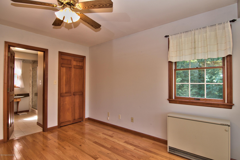 1306 Seamans Rd, Factoryville, Pennsylvania 18419, 3 Bedrooms Bedrooms, 8 Rooms Rooms,3 BathroomsBathrooms,Single Family,For Sale,Seamans,19-3864