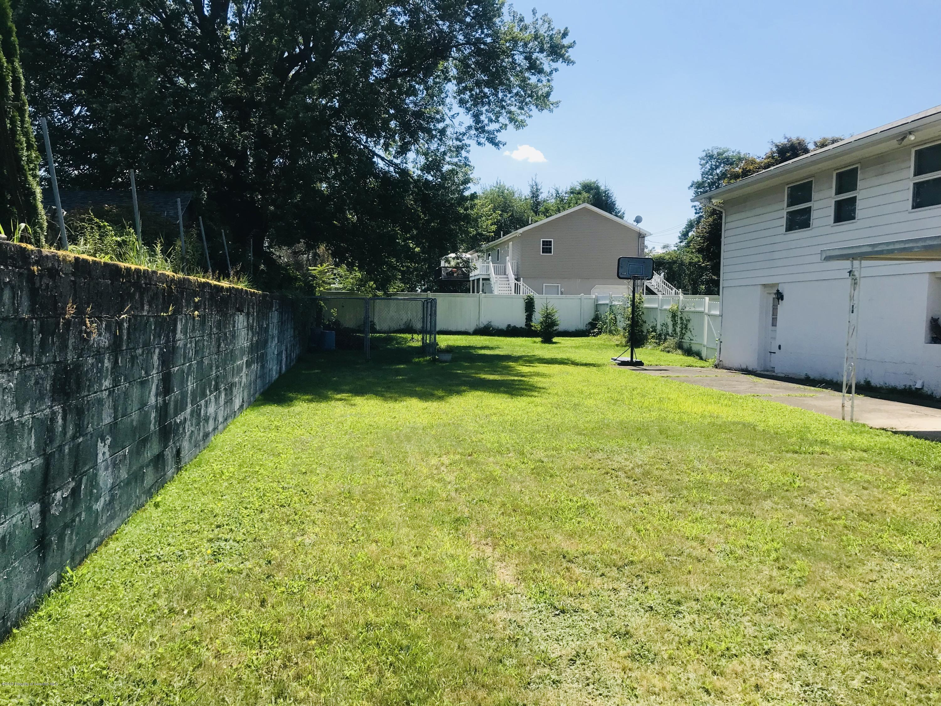 423 18th Ave, Scranton, Pennsylvania 18504, 3 Bedrooms Bedrooms, 7 Rooms Rooms,3 BathroomsBathrooms,Single Family,For Sale,18th,19-3769