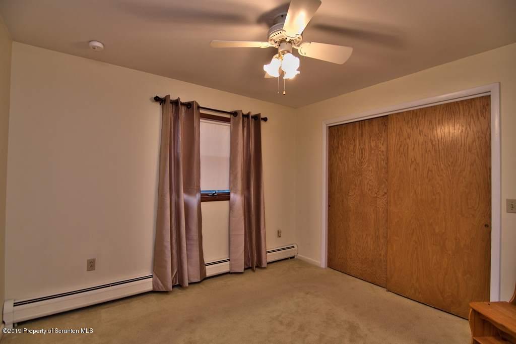 309 Willow St, Dunmore, Pennsylvania 18512, 3 Bedrooms Bedrooms, 7 Rooms Rooms,2 BathroomsBathrooms,Single Family,For Sale,Willow,19-4054