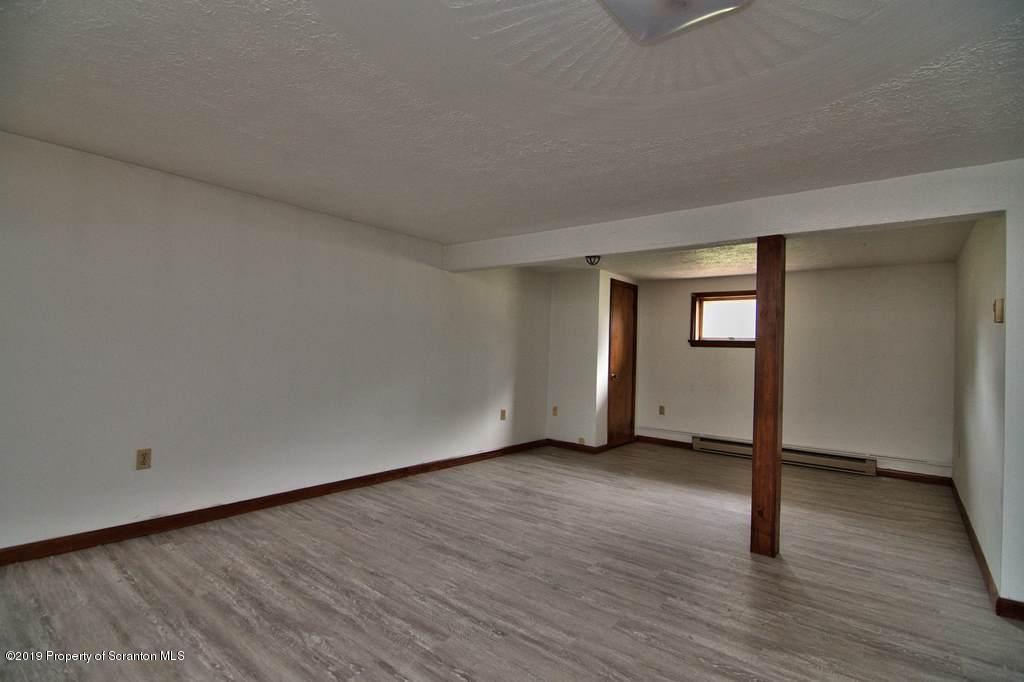 1221 Winthrop St- Archbald- Pennsylvania 18403, 3 Bedrooms Bedrooms, 9 Rooms Rooms,2 BathroomsBathrooms,Single Family,For Sale,Winthrop,19-4188
