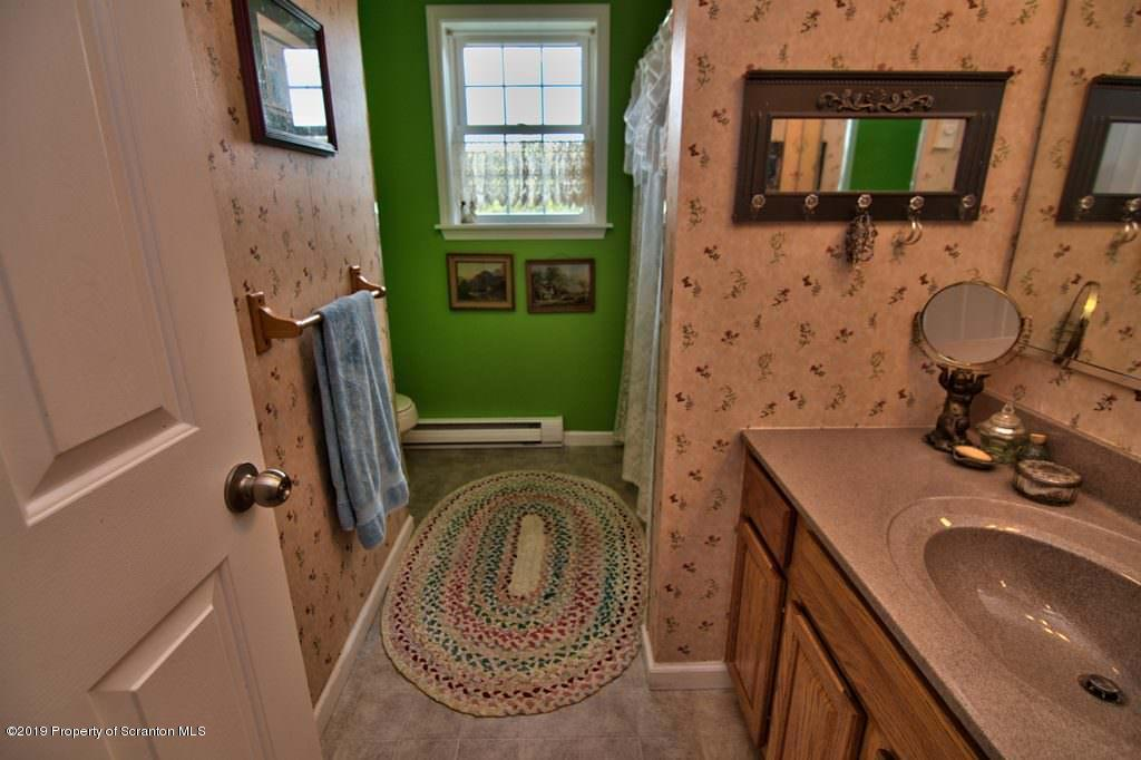 354 Minnow Dr, Susquehanna, Pennsylvania 18847, 3 Bedrooms Bedrooms, 5 Rooms Rooms,2 BathroomsBathrooms,Single Family,For Sale,Minnow,19-4226
