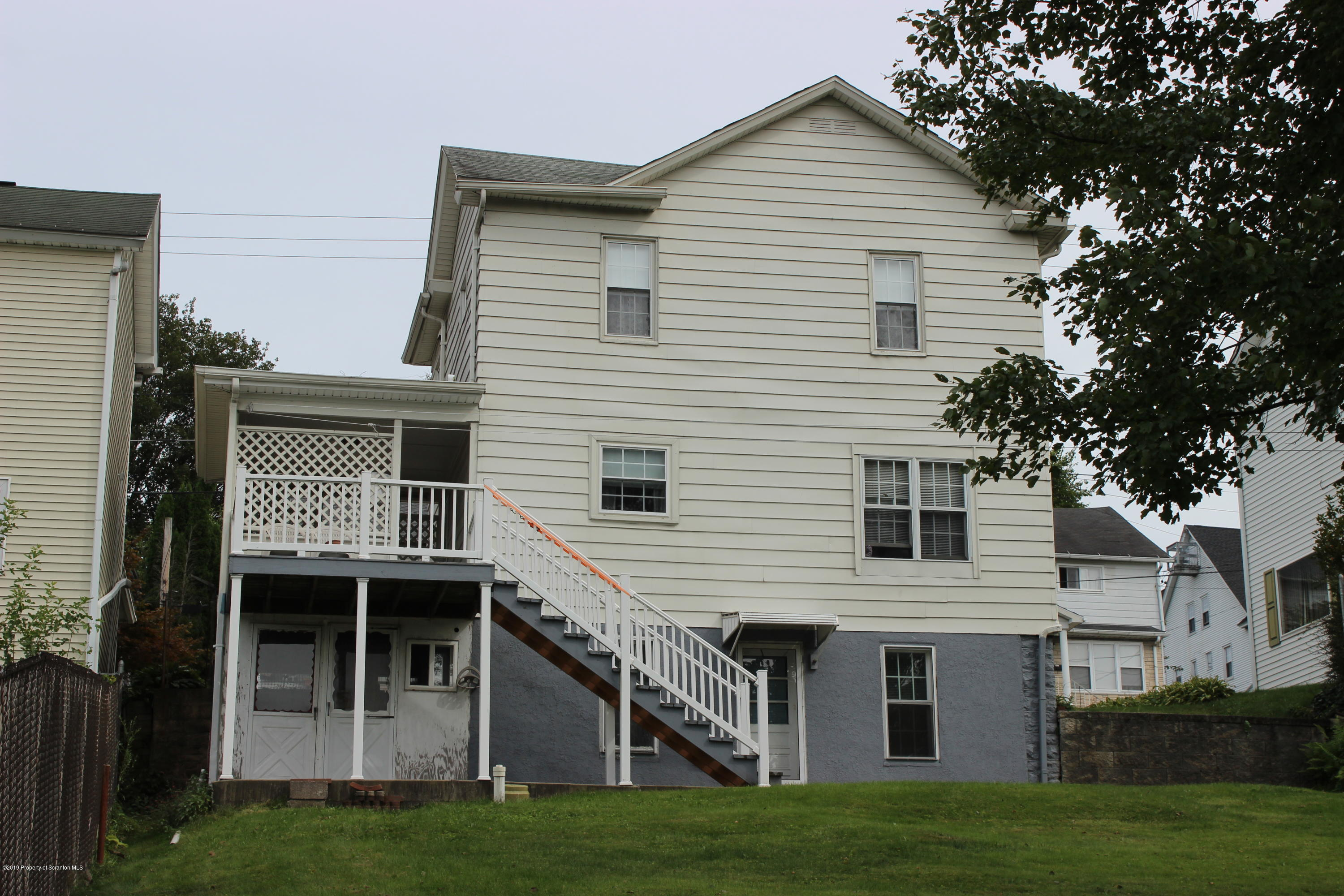 415 Grove St, Avoca, Pennsylvania 18641, 3 Bedrooms Bedrooms, 7 Rooms Rooms,2 BathroomsBathrooms,Single Family,For Sale,Grove,19-4336