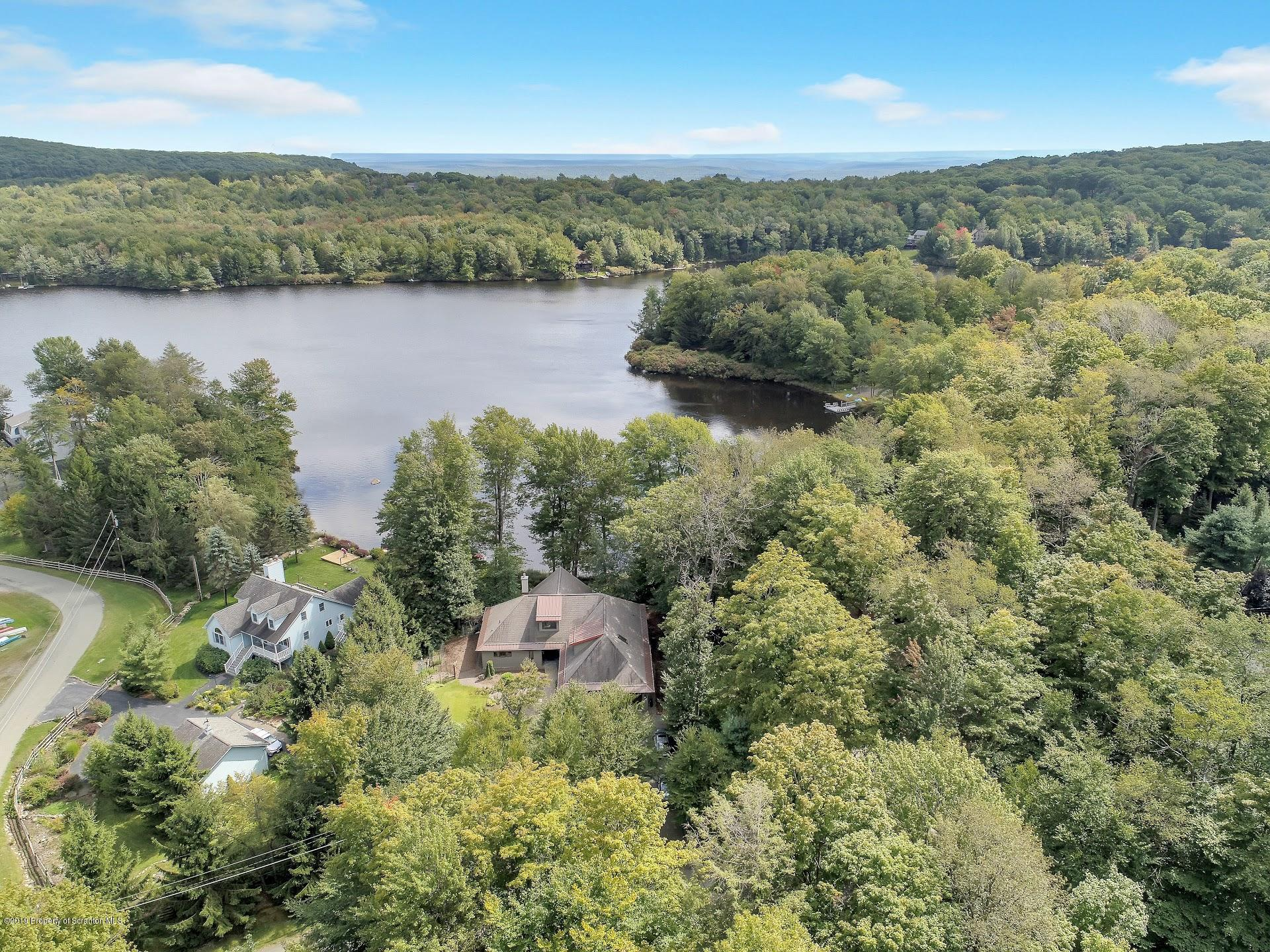 162 Lake In The Clouds Rd, Canadensis, Pennsylvania 18325, 3 Bedrooms Bedrooms, 10 Rooms Rooms,2 BathroomsBathrooms,Single Family,For Sale,Lake In The Clouds,19-4349