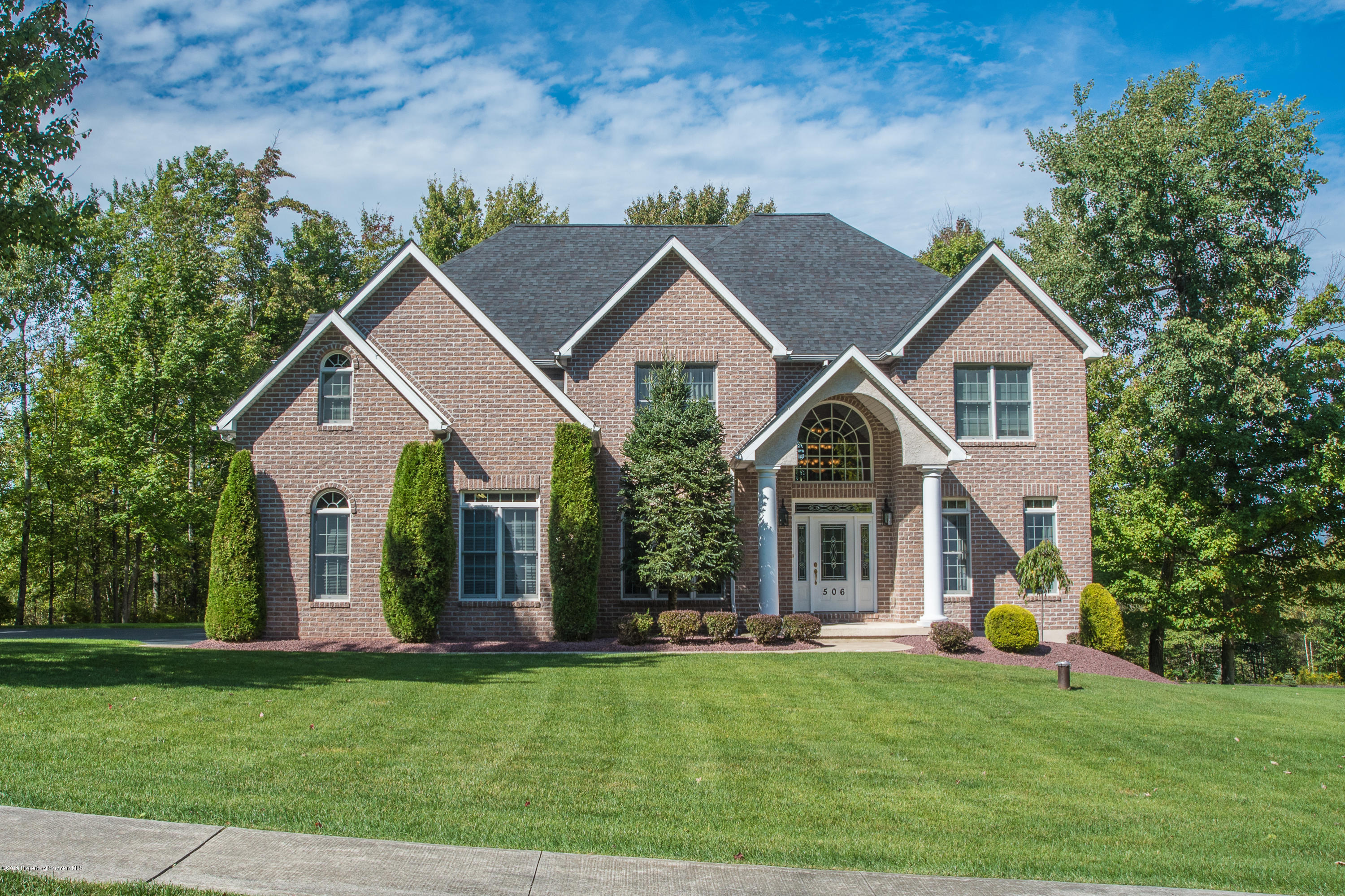 506 Hideaway Dr, Moscow, Pennsylvania 18444, 5 Bedrooms Bedrooms, 10 Rooms Rooms,3 BathroomsBathrooms,Single Family,For Sale,Hideaway,19-5317