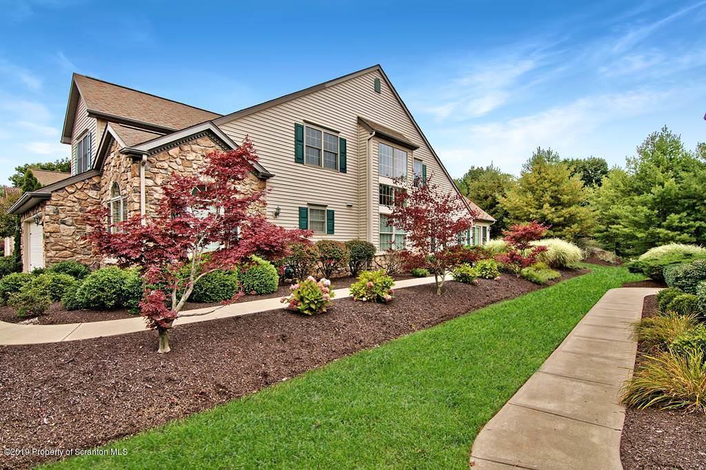 75 Hedge Row Run, Clarks Summit, Pennsylvania 18411, 3 Bedrooms Bedrooms, 7 Rooms Rooms,3 BathroomsBathrooms,Residential - condo/townhome,For Sale,Hedge Row Run,19-4541