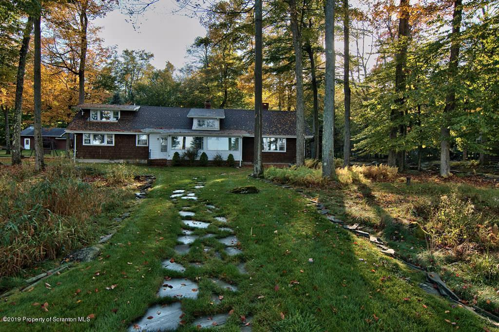 1224 Pocono Drive, Gouldsboro, Pennsylvania 18424, 4 Bedrooms Bedrooms, 7 Rooms Rooms,2 BathroomsBathrooms,Single Family,For Sale,Pocono Drive,19-4670