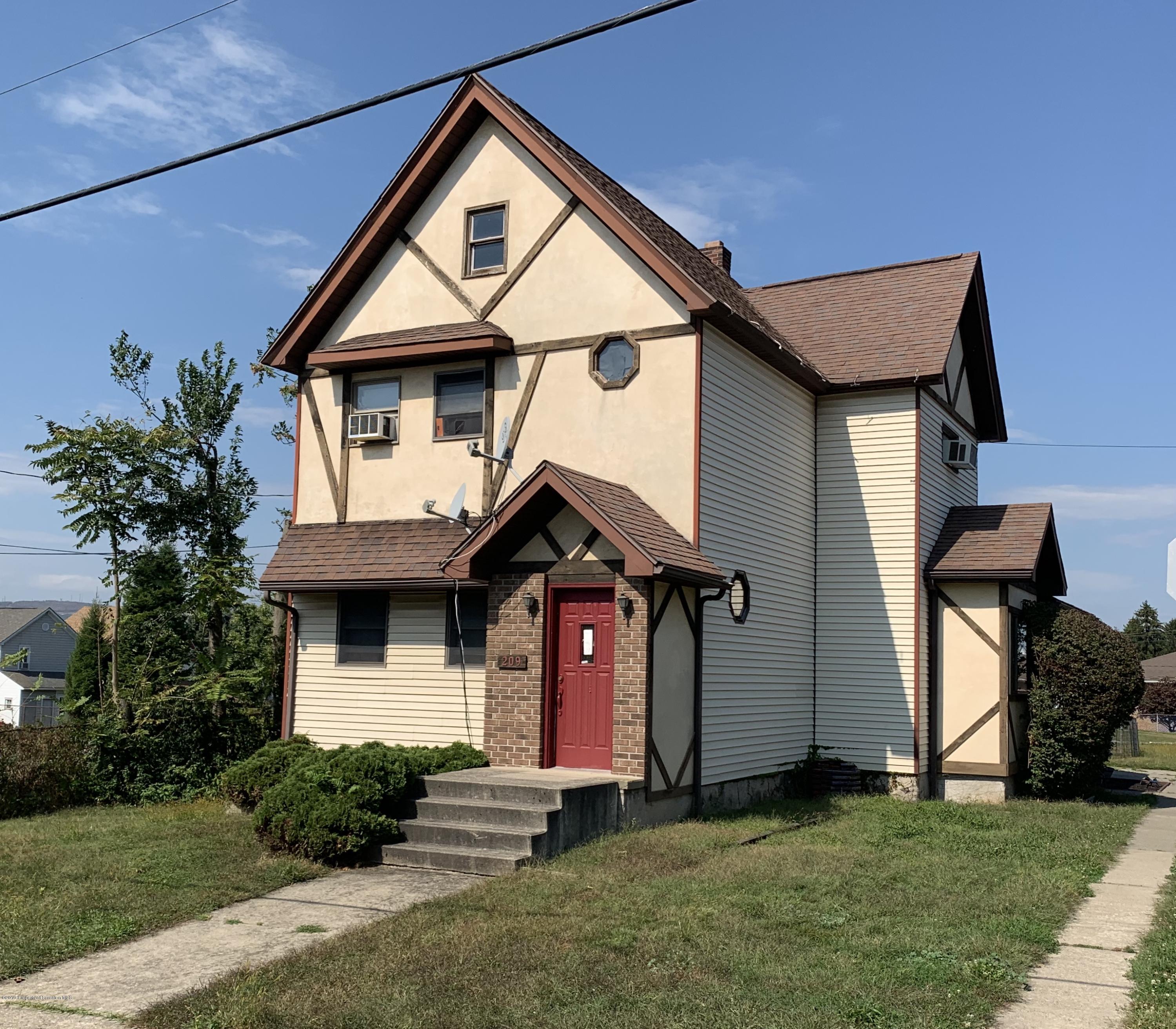 209 Ambrose St, Dunmore, Pennsylvania 18512, 4 Bedrooms Bedrooms, 10 Rooms Rooms,2 BathroomsBathrooms,Single Family,For Sale,Ambrose,19-4679