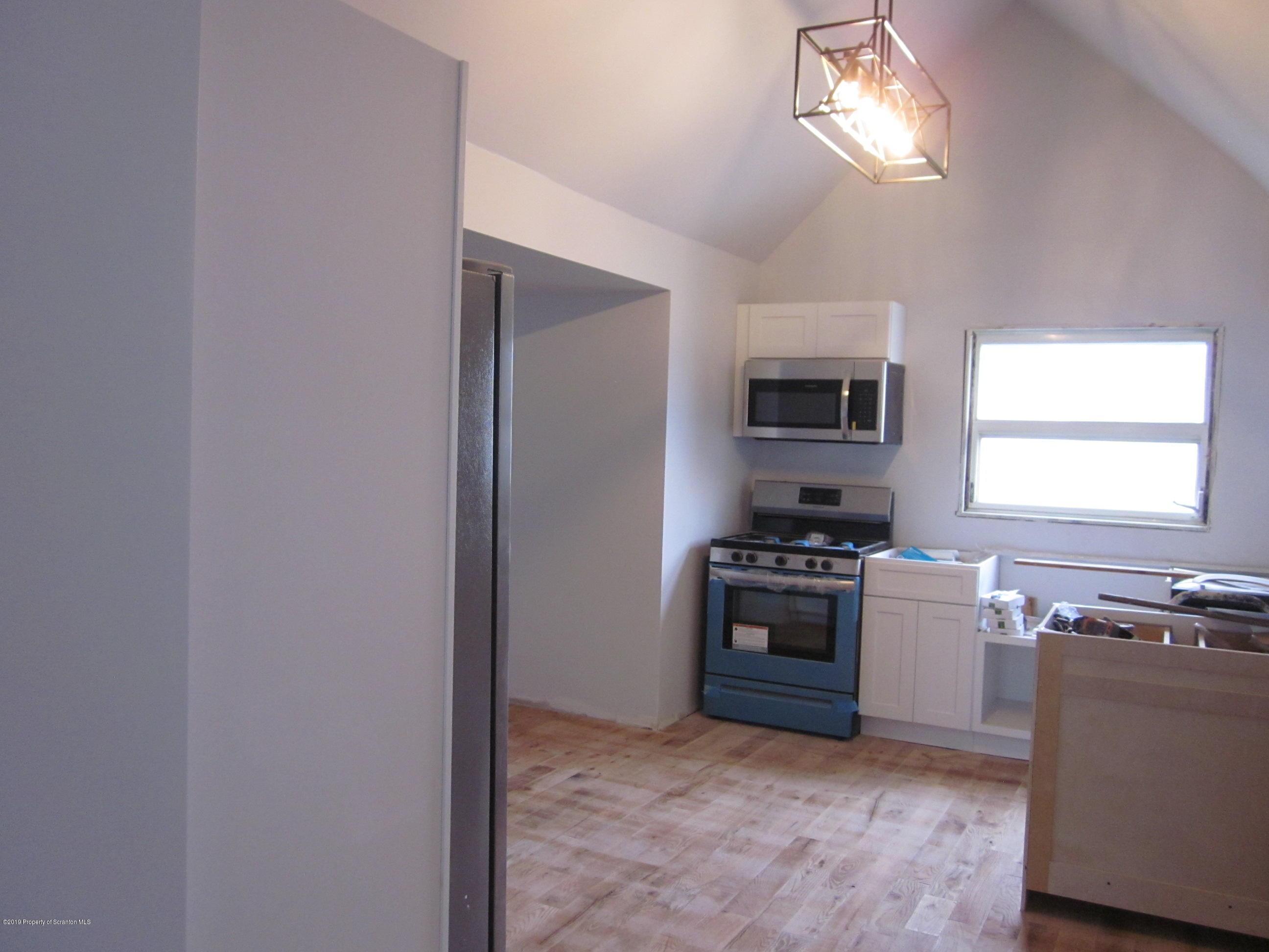 1311 Dartmouth St, Scranton, Pennsylvania 18504, 3 Bedrooms Bedrooms, 6 Rooms Rooms,2 BathroomsBathrooms,Single Family,For Sale,Dartmouth,19-4746