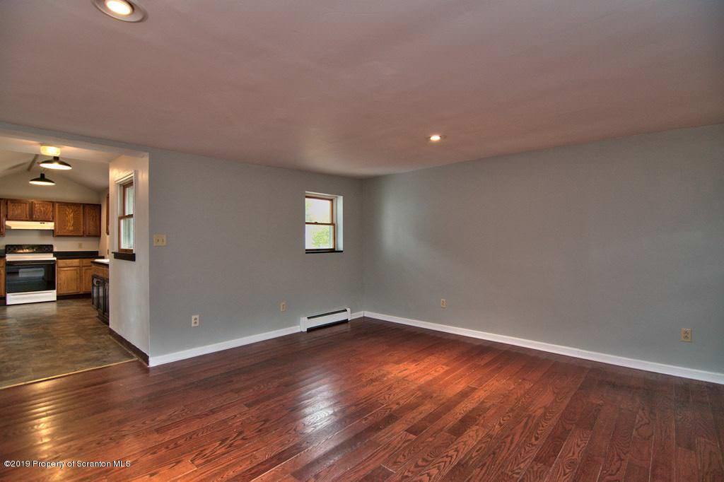 224 Glenburn Rd, Clarks Green, Pennsylvania 18411, 2 Bedrooms Bedrooms, 5 Rooms Rooms,3 BathroomsBathrooms,Single Family,For Sale,Glenburn,19-4840