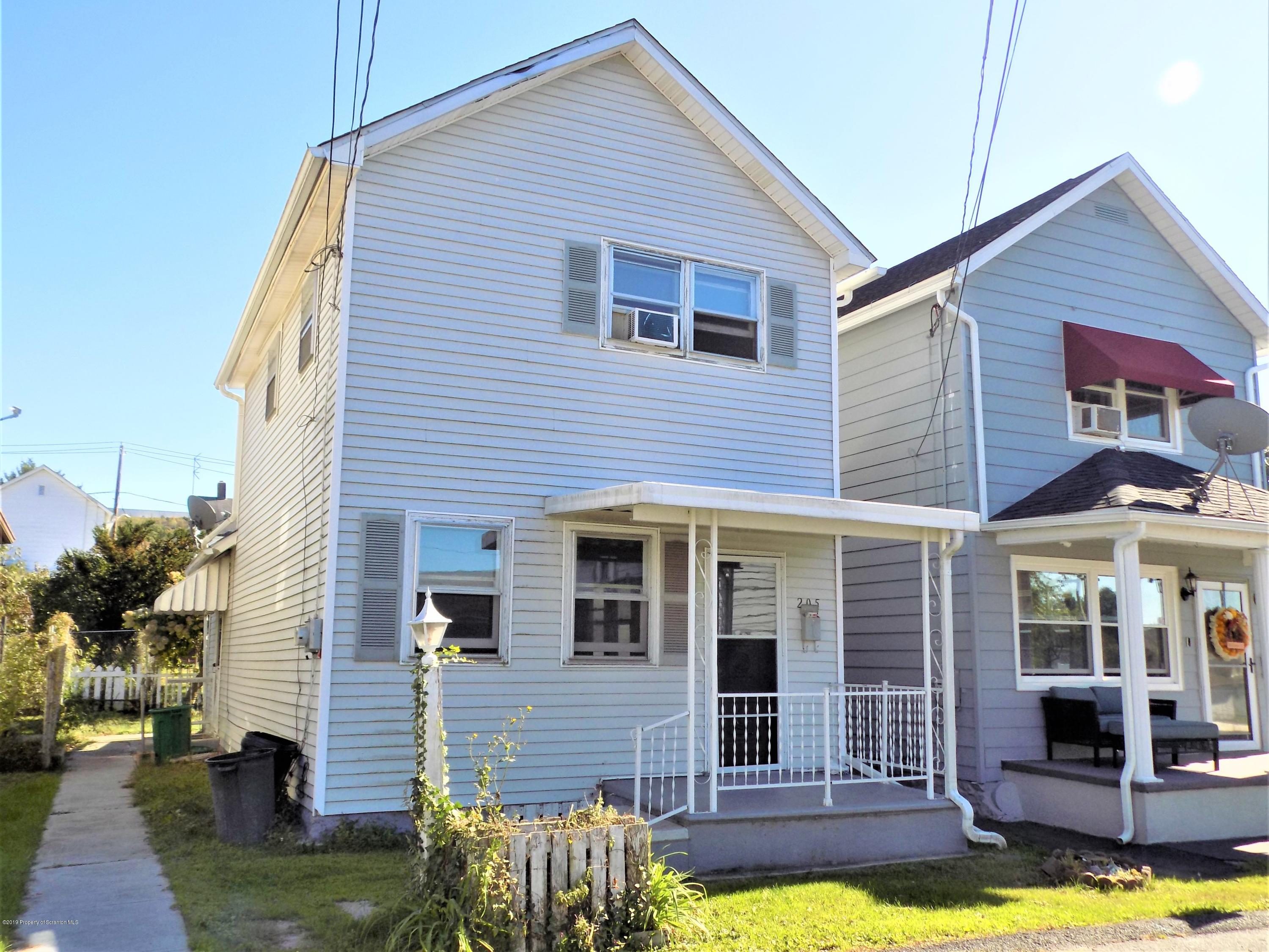 205 Short St, Jessup, Pennsylvania 18434, 2 Bedrooms Bedrooms, 5 Rooms Rooms,1 BathroomBathrooms,Rental,For Lease,Short,19-4816