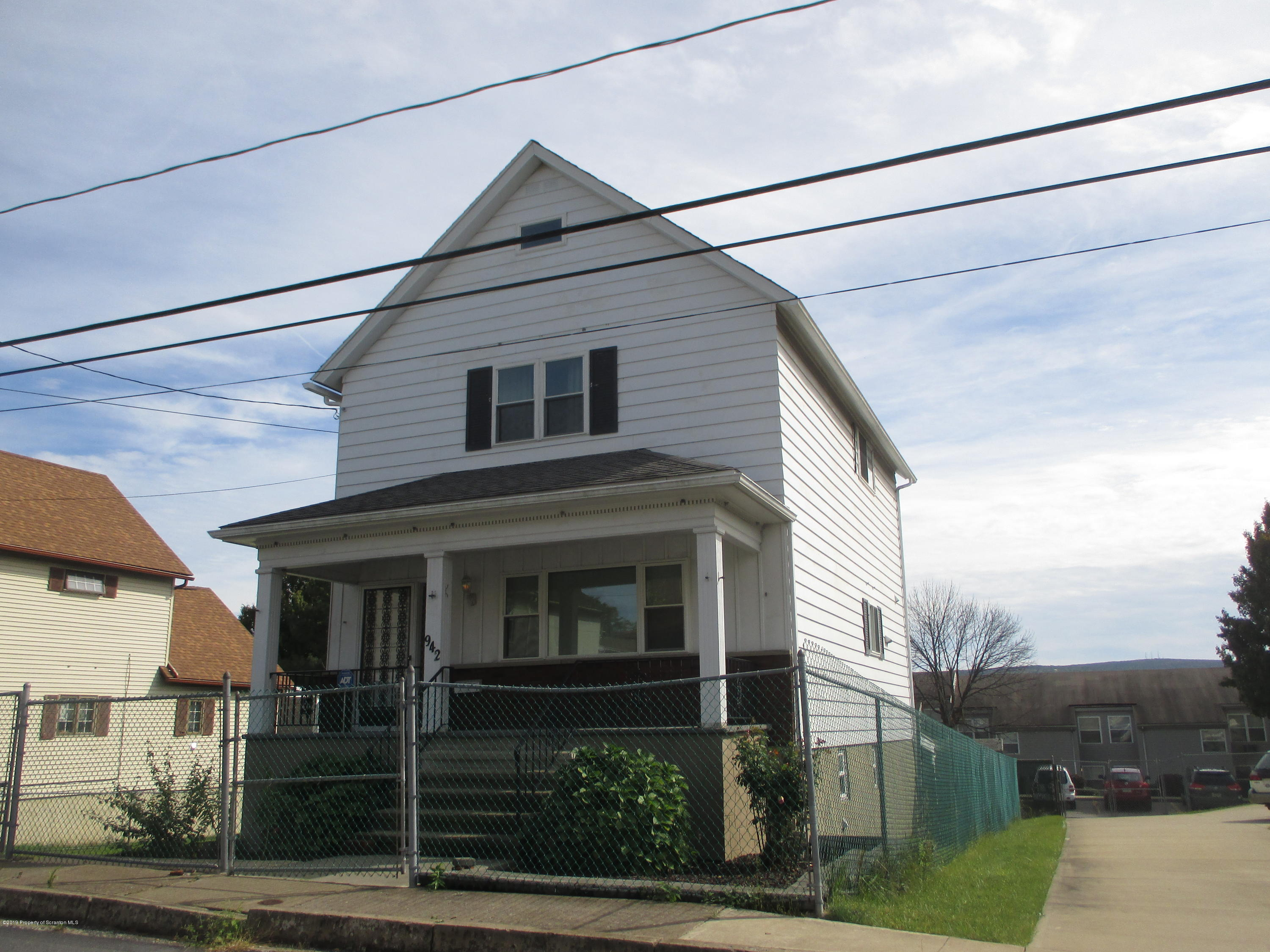 942 Mt Vernon Ave, Scranton, Pennsylvania 18508, 3 Bedrooms Bedrooms, 9 Rooms Rooms,3 BathroomsBathrooms,Single Family,For Sale,Mt Vernon,19-4872
