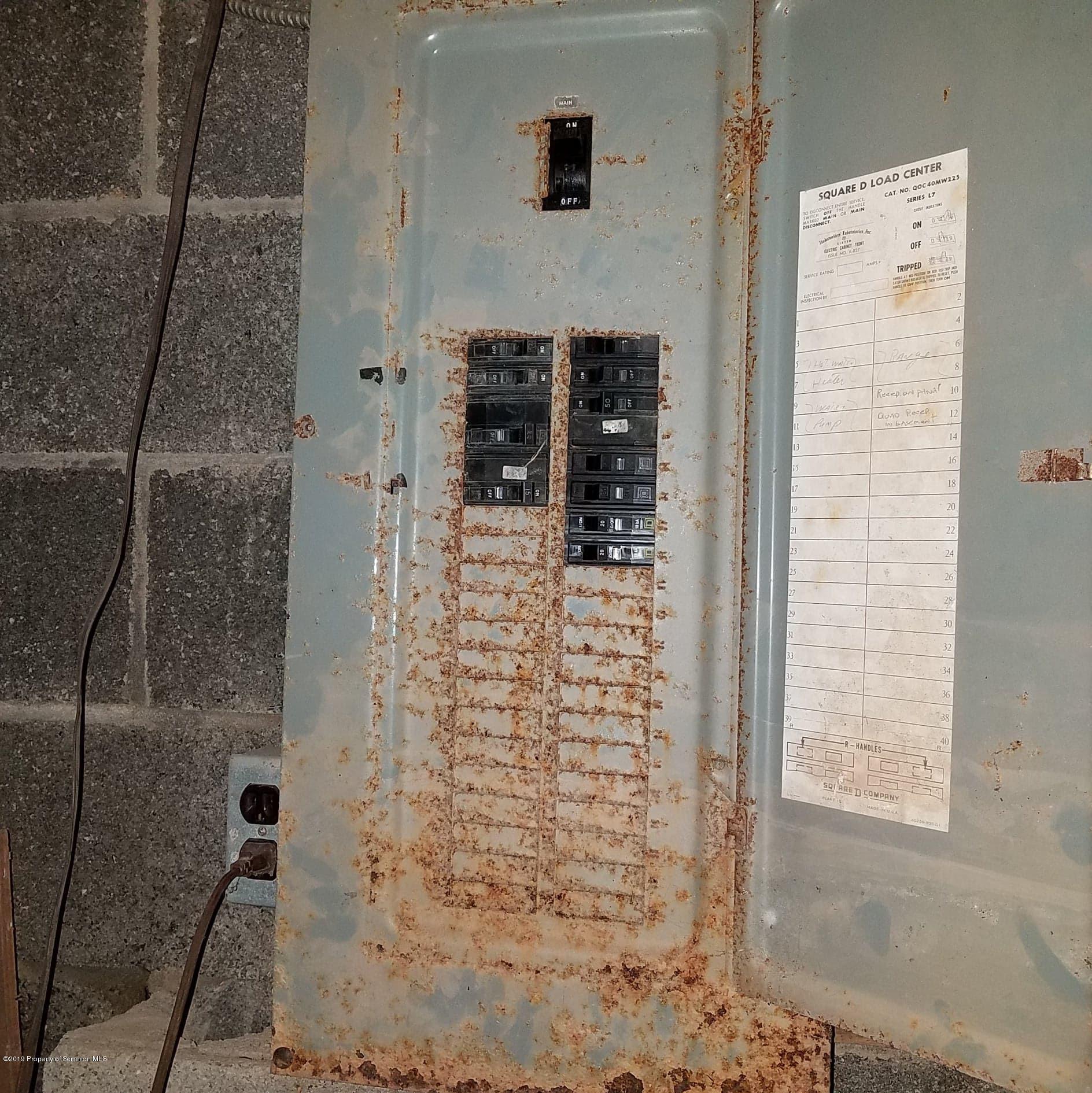 215 Peninsula Dr, Bear Creek, Pennsylvania 18702, 3 Bedrooms Bedrooms, 7 Rooms Rooms,1 BathroomBathrooms,Single Family,For Sale,Peninsula,19-4917