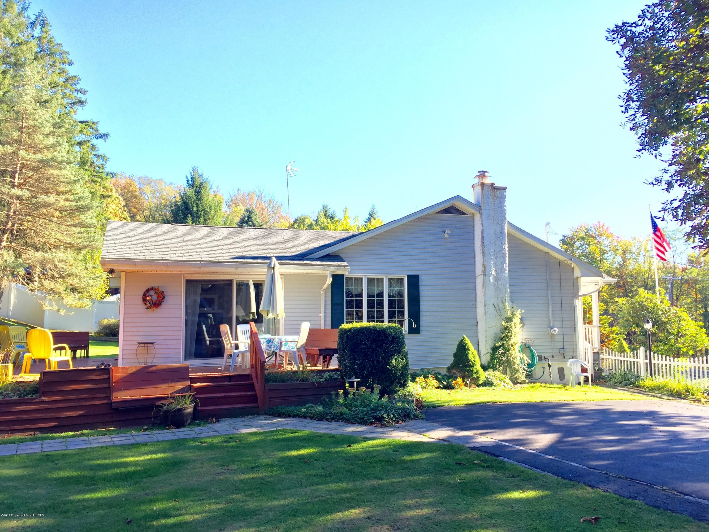 19 ROOSEVELT HWY, Carbondale Twp, Pennsylvania 18407, 3 Bedrooms Bedrooms, 7 Rooms Rooms,2 BathroomsBathrooms,Single Family,For Sale,ROOSEVELT,19-5084