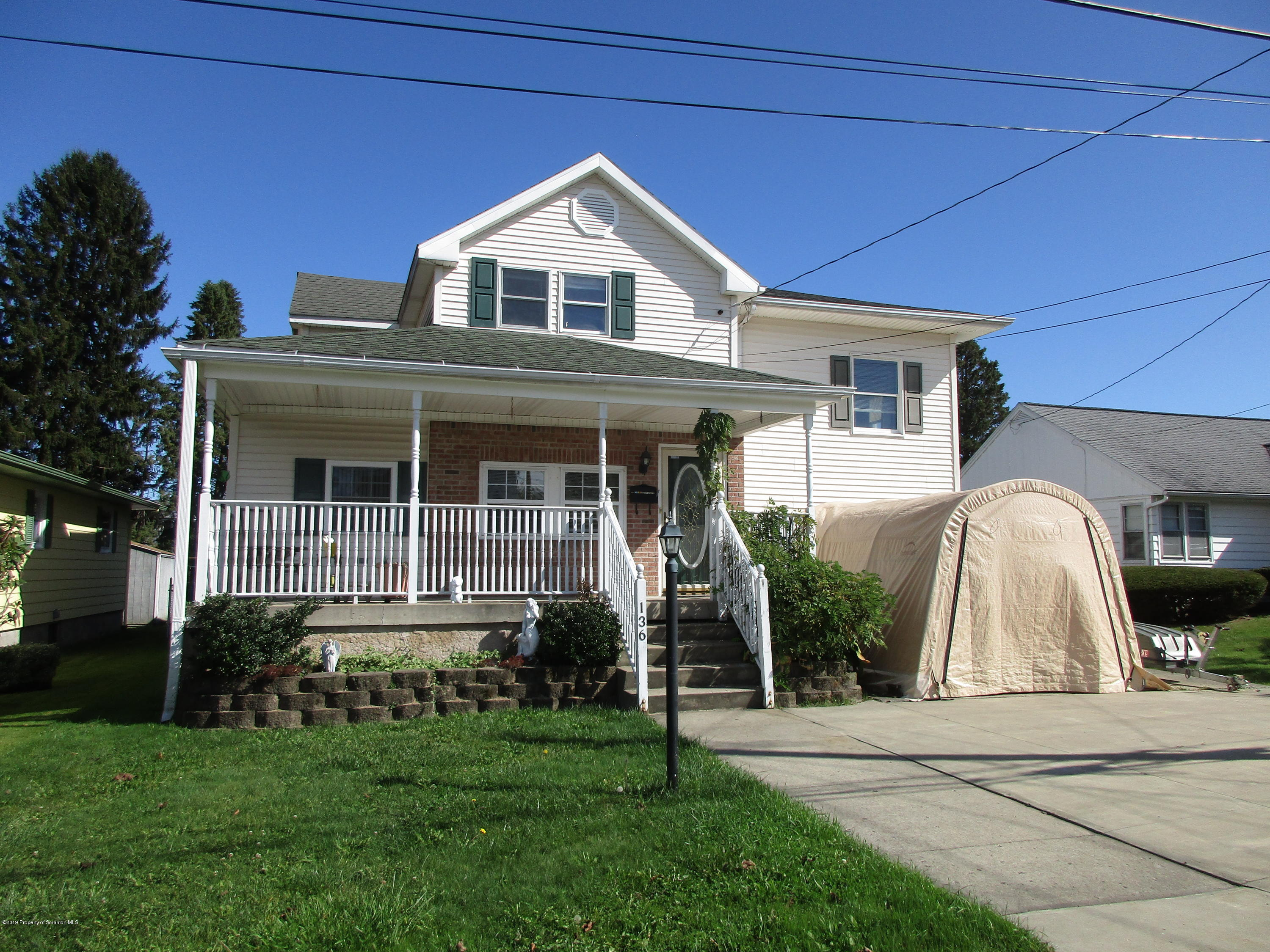 136 East St, Eynon, Pennsylvania 18403, 4 Bedrooms Bedrooms, 8 Rooms Rooms,3 BathroomsBathrooms,Single Family,For Sale,East,19-5070