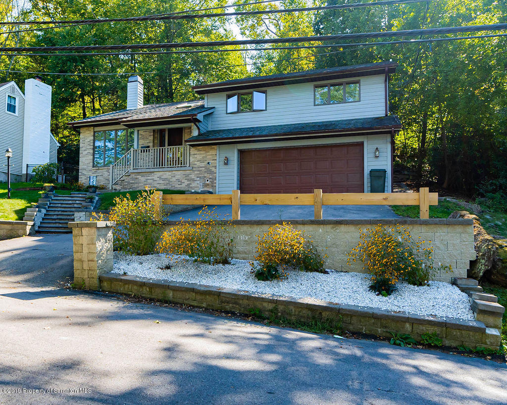 106 Grandview St, Clarks Summit, Pennsylvania 18411, 4 Bedrooms Bedrooms, 7 Rooms Rooms,3 BathroomsBathrooms,Single Family,For Sale,Grandview,19-4997