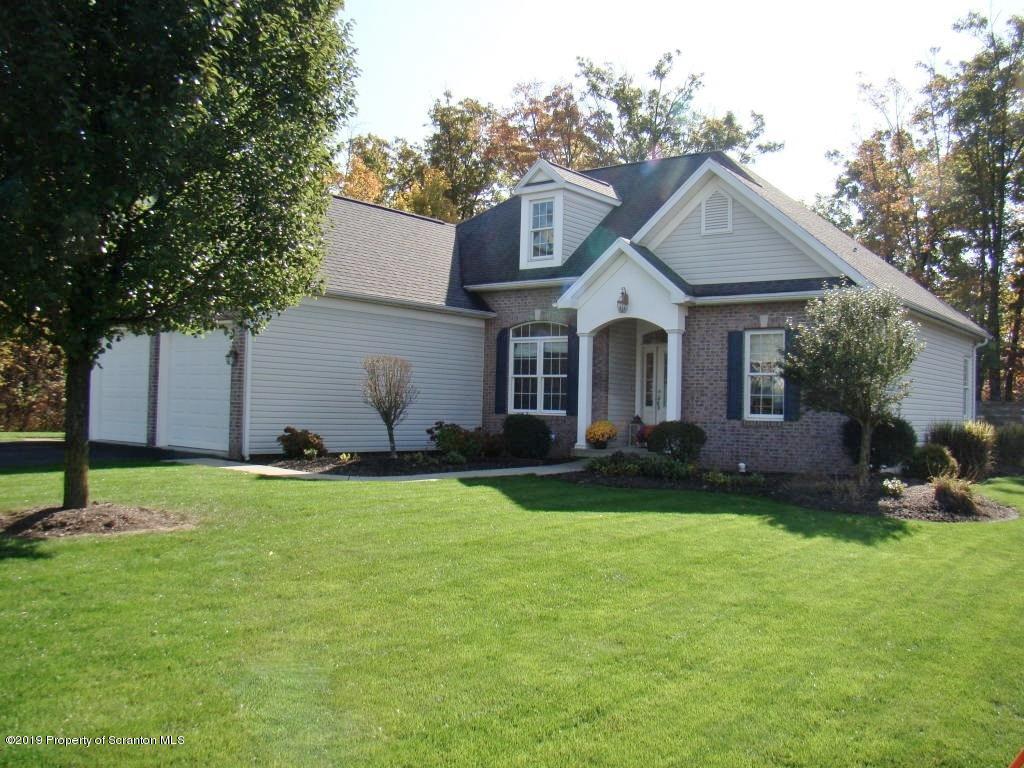 610 Snapdragon Dr, Moosic, Pennsylvania 18507, 3 Bedrooms Bedrooms, 8 Rooms Rooms,3 BathroomsBathrooms,Single Family,For Sale,Snapdragon,19-5081