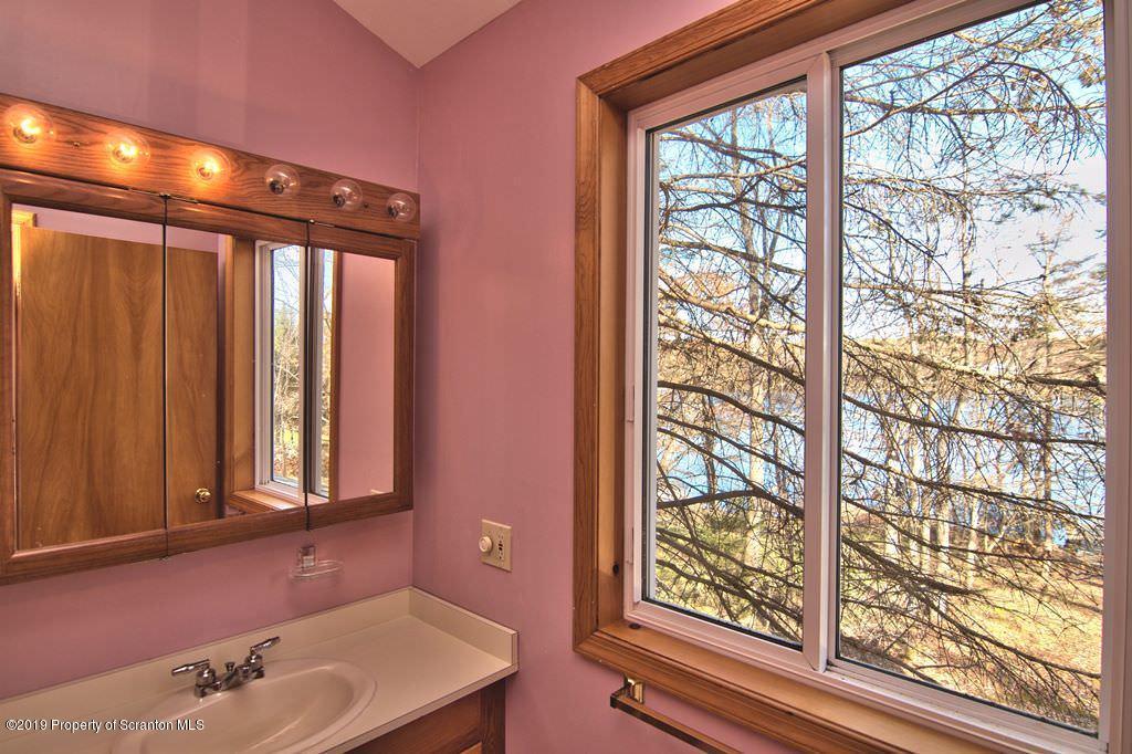 16 West Shore Drive, Jefferson Twp, Pennsylvania 18436, 3 Bedrooms Bedrooms, 6 Rooms Rooms,2 BathroomsBathrooms,Single Family,For Sale,West Shore Drive,19-5111