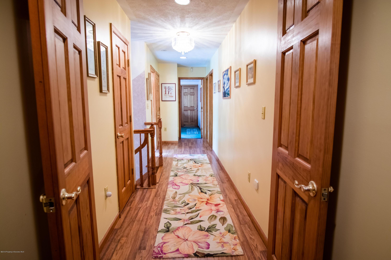 102 Longfellow Close, Moosic, Pennsylvania 18507, 5 Bedrooms Bedrooms, 10 Rooms Rooms,3 BathroomsBathrooms,Single Family,For Sale,Longfellow Close,19-5112